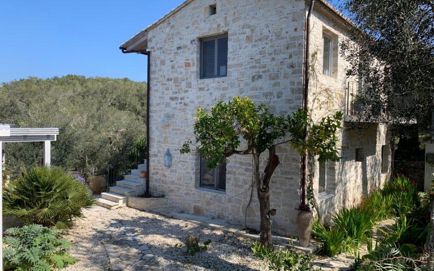 Veliantatika House, Paxos