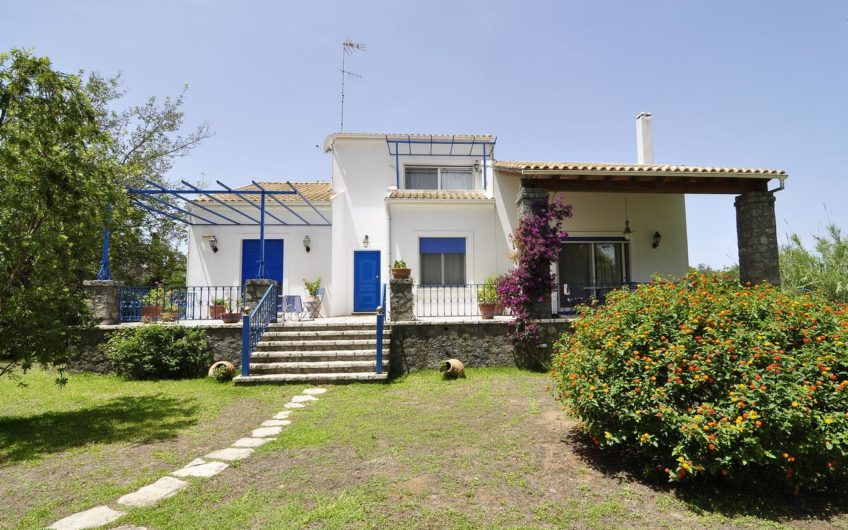A lovely property located right by a peaceful sandy beach.