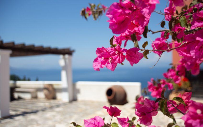 Seascape, Chlomos