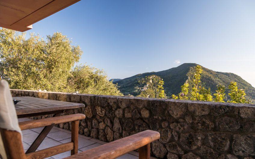 Golden View, Agios Gordis