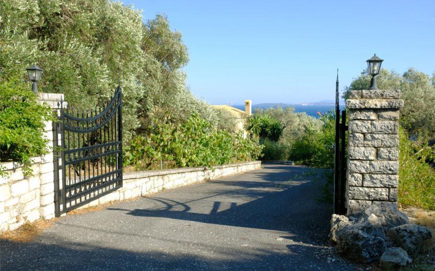 Villa Spyros, Nissaki