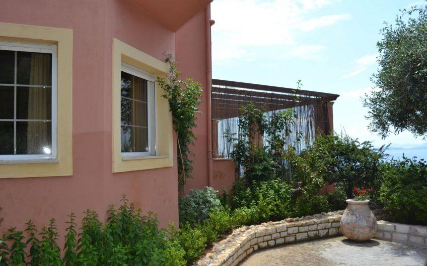 Iris House, Viglatsouri